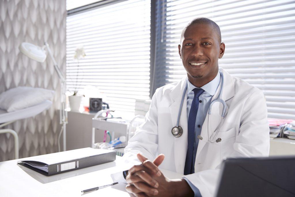 como abrir um consultório médico