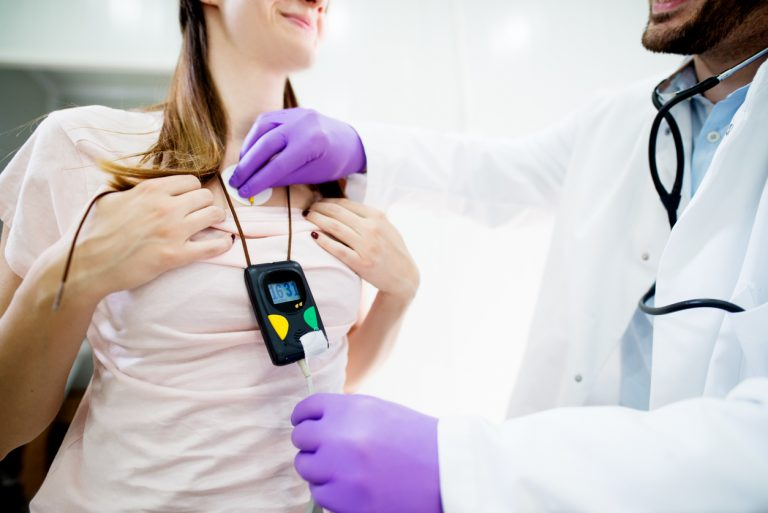 Laudo de Holter a distância: como funciona e principais benefícios